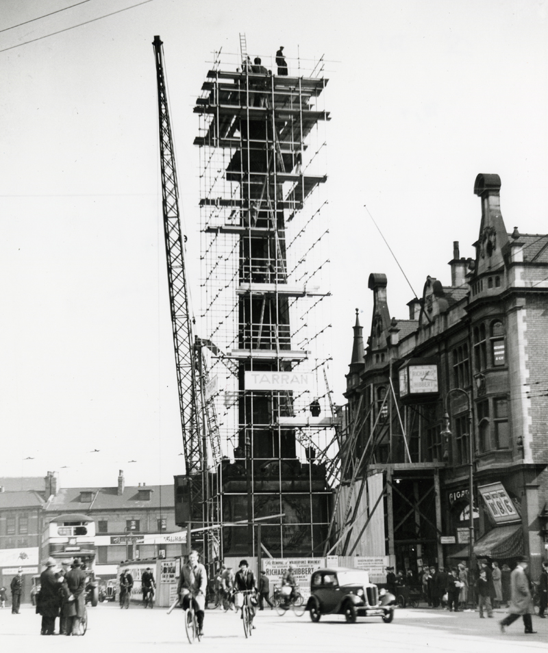 Wilberforce Monument and scaffolding, Hull (image/jpeg)