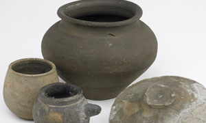 Group of pottery items (image/jpeg)